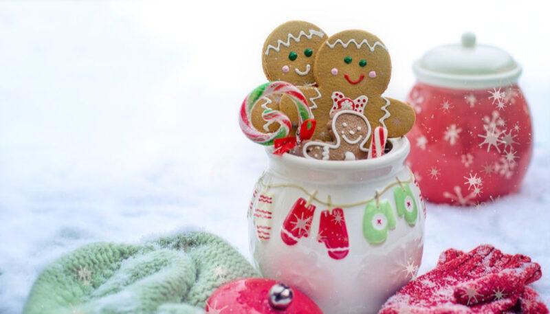 gingerbread man cookies in a jar