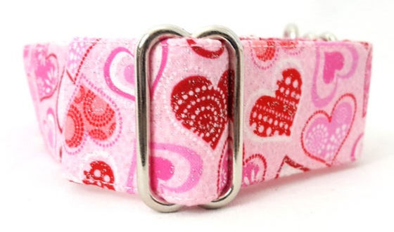 pink dog collar with large red and pink hearts