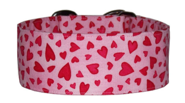 pink dog collar with small red hearts
