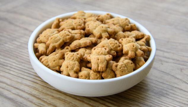 bowl of Teddy grahams