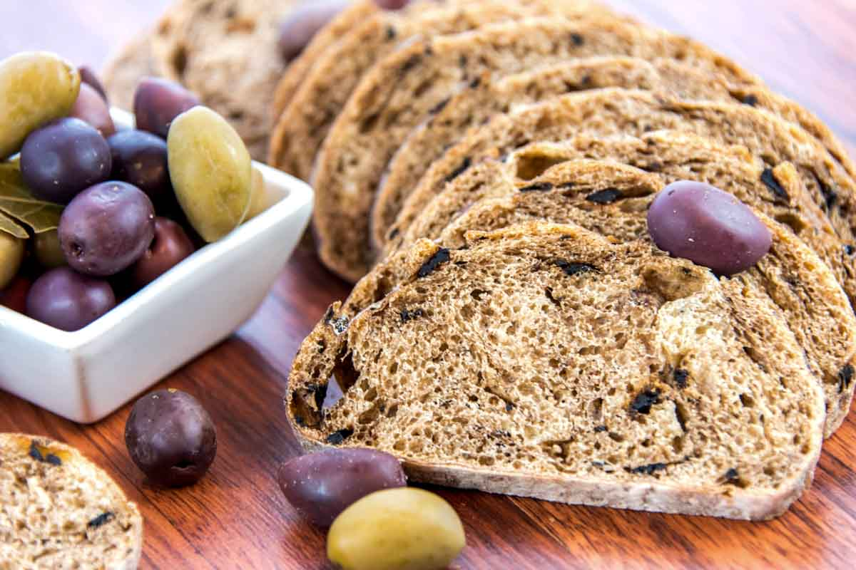 olive bread slices and olives