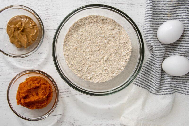 peanut butter pumpkin dog treats ingredients.